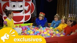 Kids&#39 CBC plays &quotCeebee Says&quot with the cast of Baroness von Sketch Show
