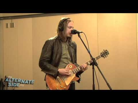 "The Greenhornes - ""Song 13"" (Live at WFUV/The Alternate Side)"