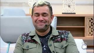Evandro Santo se emociona com depoimentos de João Zoli e Rafael Ilha após a eliminação dele