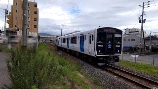 【鉄道】JR九州香椎線 土井駅での列車交換《BEC819系》
