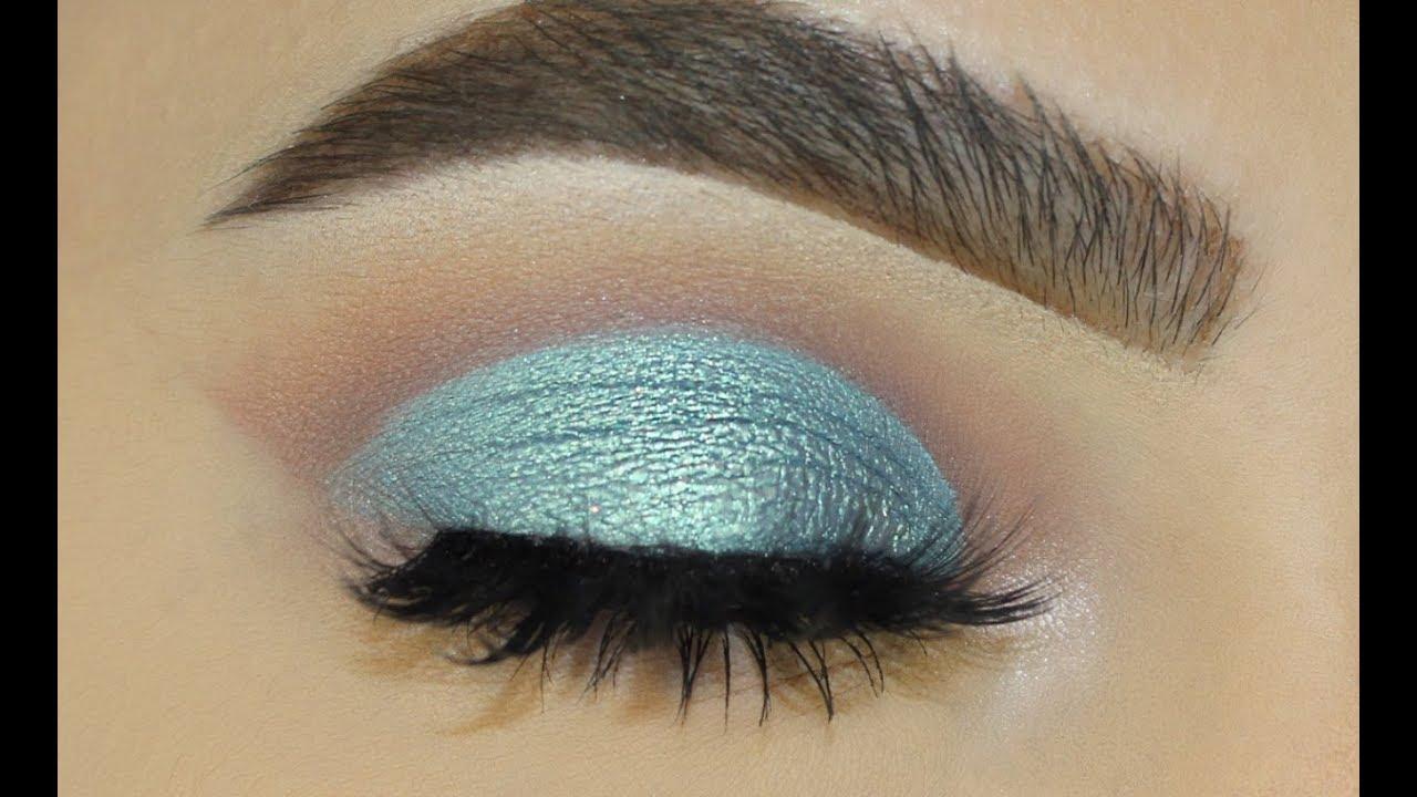Easy Natural Foiled Blue Makeup Look , Sofie Bella