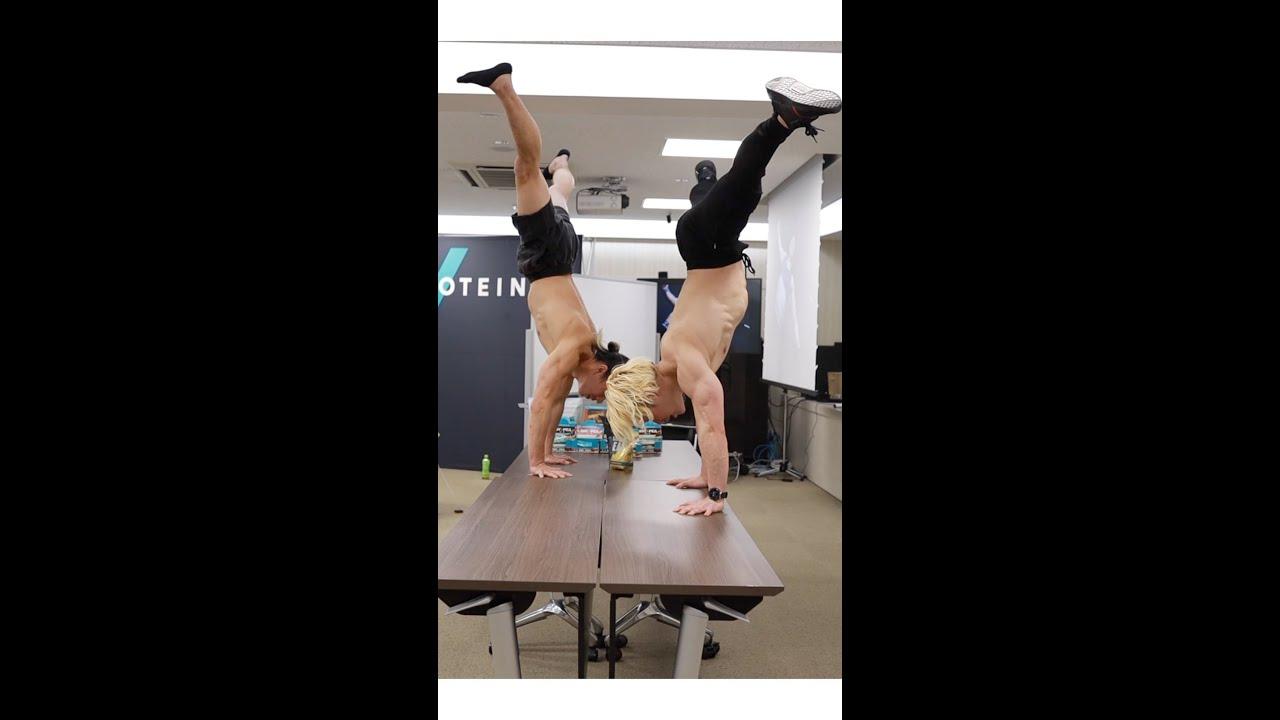 超人2人が会議室でなんか始めたぞ。。#shorts