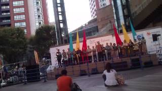 Orang Jepang menyanyikan lagu wajib Indonesia