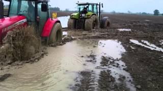 Claas + Massey Ferguson + John Deere - stuck in mud zapadanje u blatu