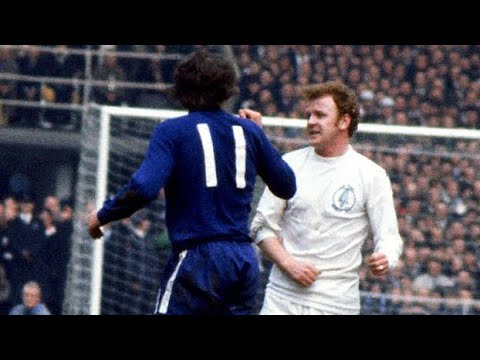 Download The most BRUTAL match in English Football History | LEEDS UNITED vs CHELSEA - The Rivalry