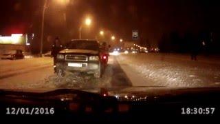 Падение машины с эвакуатора(если не хотите чтобы с вашей машиной не произошла такая беда, то обращайтесь к нам т. 0553802202 Эвакуатор Бишкек., 2016-01-17T08:16:42.000Z)