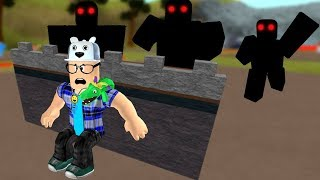 ROBLOX: I BUILT A SECRET BASE TO GET AWAY FROM THE INVADERS! -Play Old man