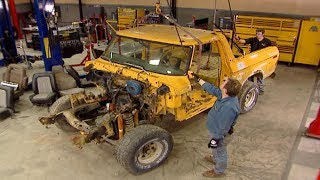Stripping Down A 1979 Ford Bronco - Trucks! S9, E4
