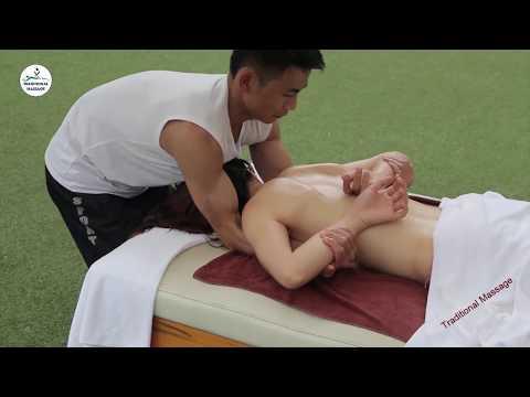 Clip nóng - Massage gái xinh bikini lộ hàng trên bãi biển