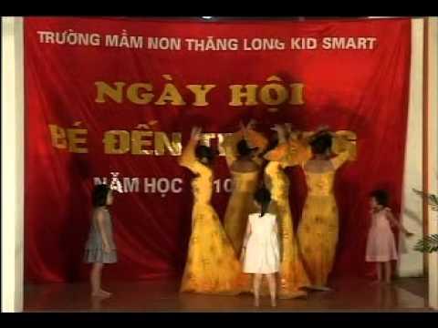 Mua cua co va tro Truong mam non ThangLong KidSmart.avi