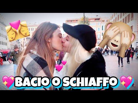 BACIO O SCHIAFFO CON LE RAGAZZE💖🙈!! (*LGBT*)