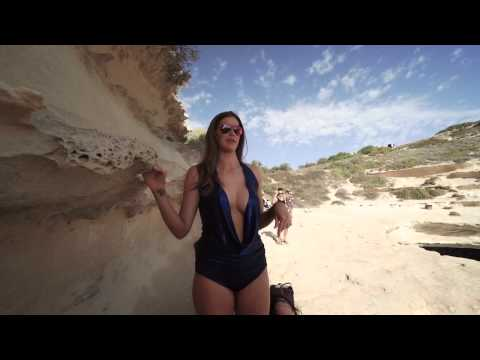 Robyn Lawley - Outtakes - Sports Illustrated Swimsuit 2016
