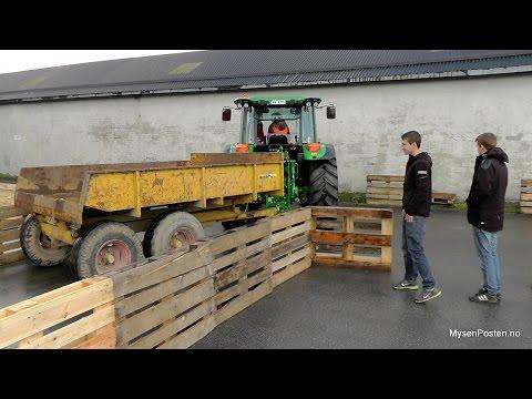 BU-ungdommene med traktordag
