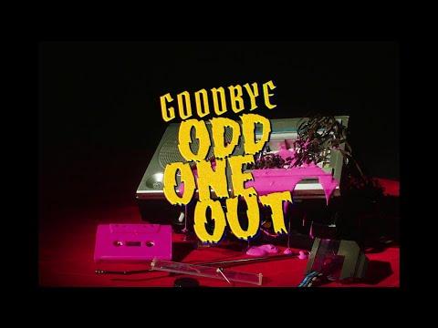 Смотреть клип Girli - The Return Of The Odd One Out