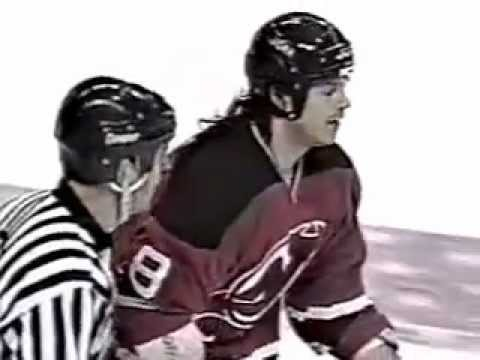 Hockeyfighters.cz  Mike Peluso Vs Kevin Kaminski.wmv