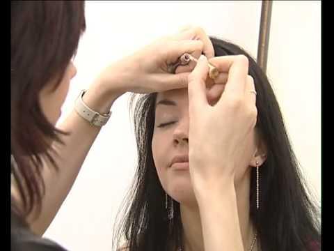 Как правильно делать перманентный макияж бровей