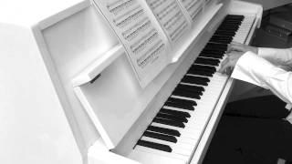 Ludovico Einaudi - Newton's Cradle / In a Time Lapse (piano solo)