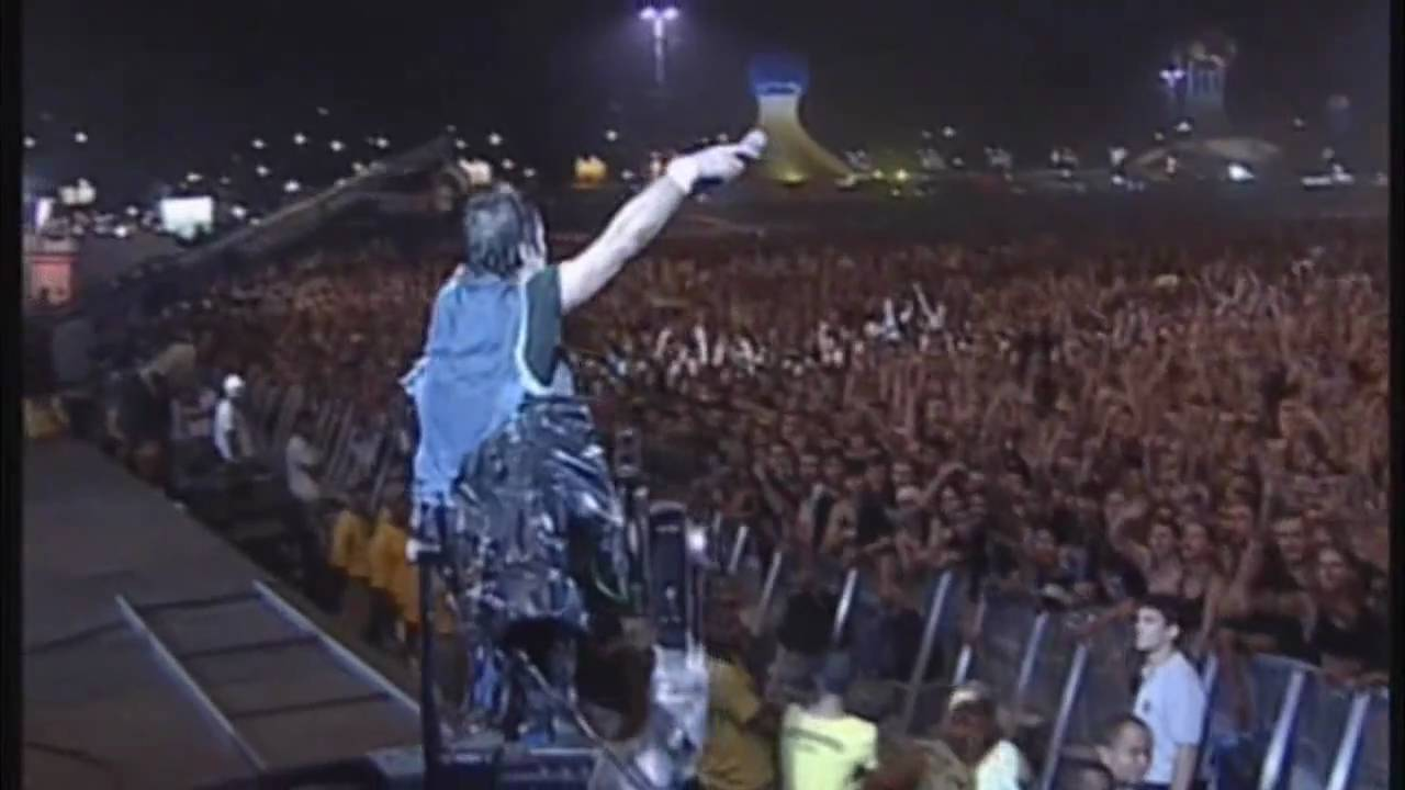 Iron Maiden Fear Of The Dark Hd Rock In Rio 2001 Youtube