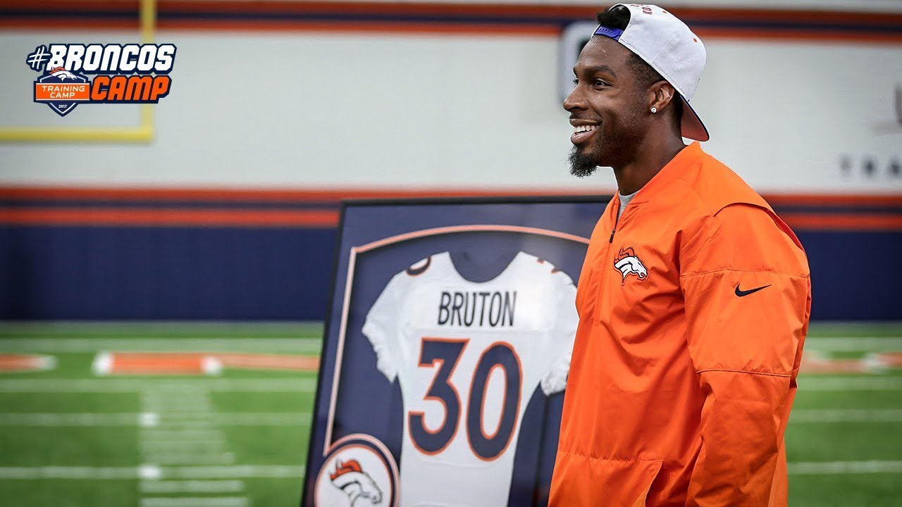 Broncos honor retired safety David Bruton after training camp ...