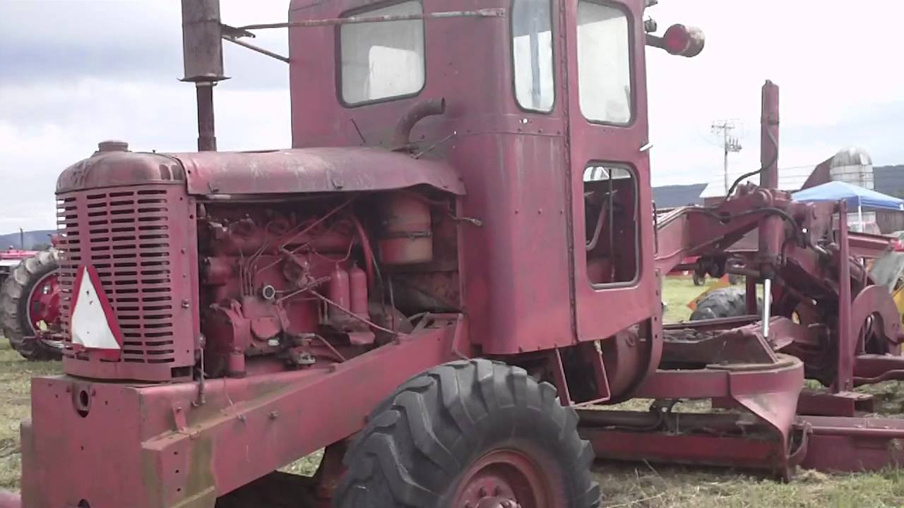 Old Austin Western Road Grader at tractor show