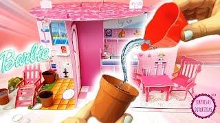 Barbie Construye y Decora la casa de Barbie muñecas