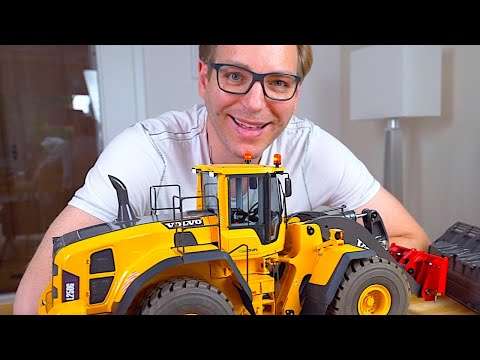 REVIEW Of AMAZING RC WHEEL LOADER With Hydraulic Quick Coupler I RC Truck Action Studio