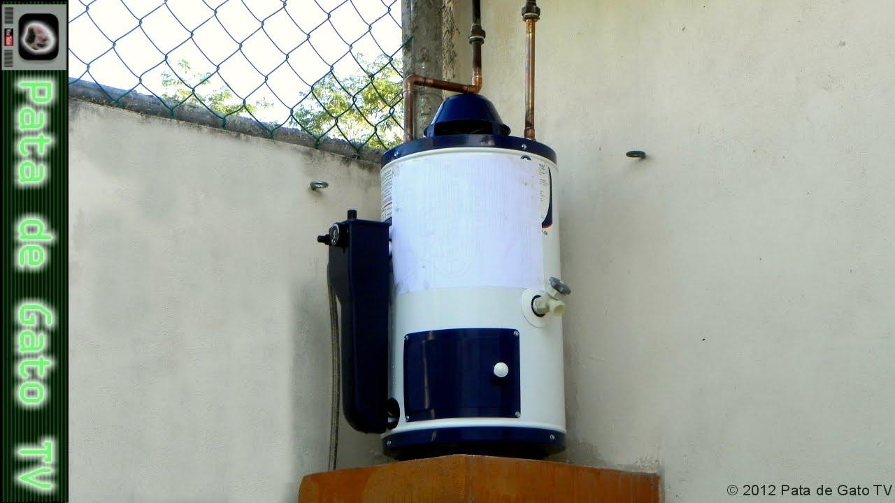 instalando un calentador para agua installing a water