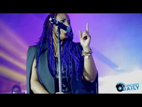 ESSENCE FEST: Lalah Hathaway performs Somethin' live in the Superdome