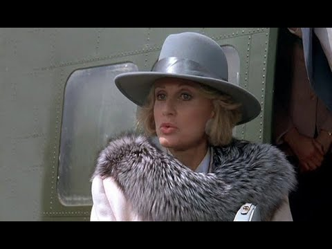 02 American Movie With Woman In Fur Coat