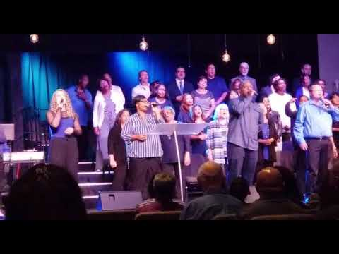"Harvest church - worship song ""mighty cross"""
