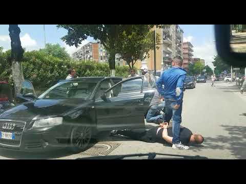 Acerra (NA). Arresto in diretta di 5 rapinatori eseguito dalla Polizia di Stato