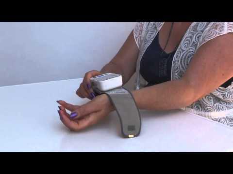 wrist-blood-pressure-monitor---tempir---using-memory---taking-readings
