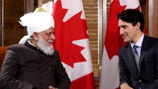 Canadian PM Justin Trudeau meets with 'Khalifa of Islam' His Holiness Hazrat Mirza Masroor Ahmad