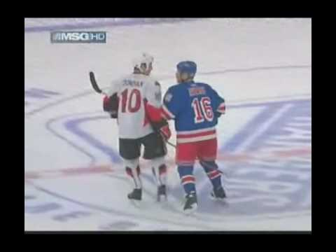 Sean Avery wakes up MSG