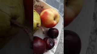 Здоровая еда-завтрак из фруктов