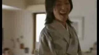 「おでかけする妻」篇 「きもの、きものが着られる〜♪」の楽しい歌と チ...