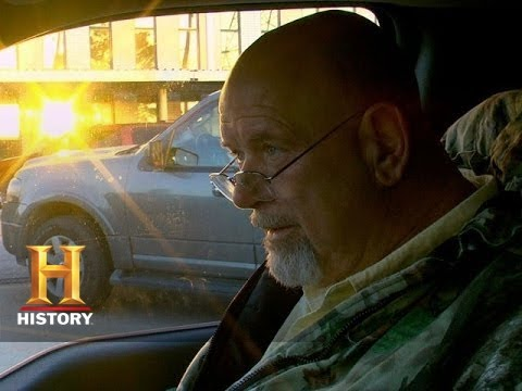 Download Big Rig Bounty Hunters: Korchenko and Marshall Find a Dead GPS (S2, E12) | History