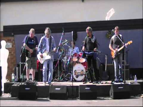 Garden Party 31 Aug 2012 - soundcheck footage - Martin Turner's Wishbone Ash (with Ted Turner)