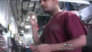 Download News reporter catches auto repair shops! Mp3 and Videos