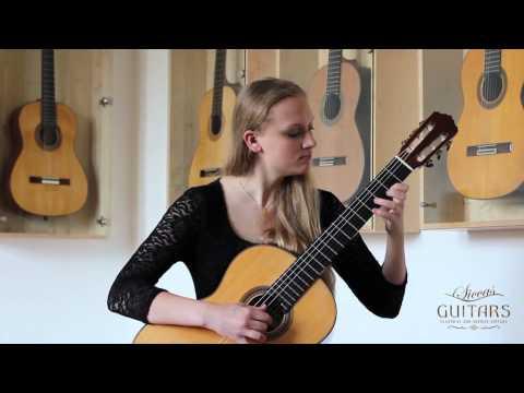 Julia Trintschuk plays Rondo Op. 5 by Matteo Carcassi on a 2009 Karl-Heinz Römmich