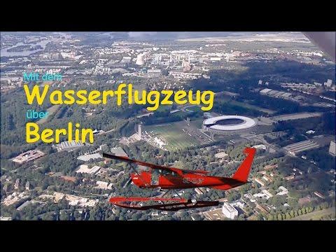Mit dem Wasserflugzeug über Berlin-Eastside Gallery-Olympiastadion-Tempelhofer Feld-Spreepark-POV