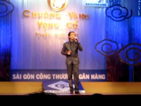 NS Trọng Phúc hát trong vòng thi bán kết CVVC 2011
