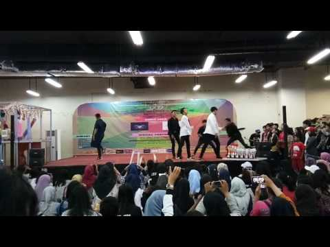 170122 Debuted Stage EXENTRIC (BTS Dance Cover) - Just One Day + Blood Sweat & Tears@PGC