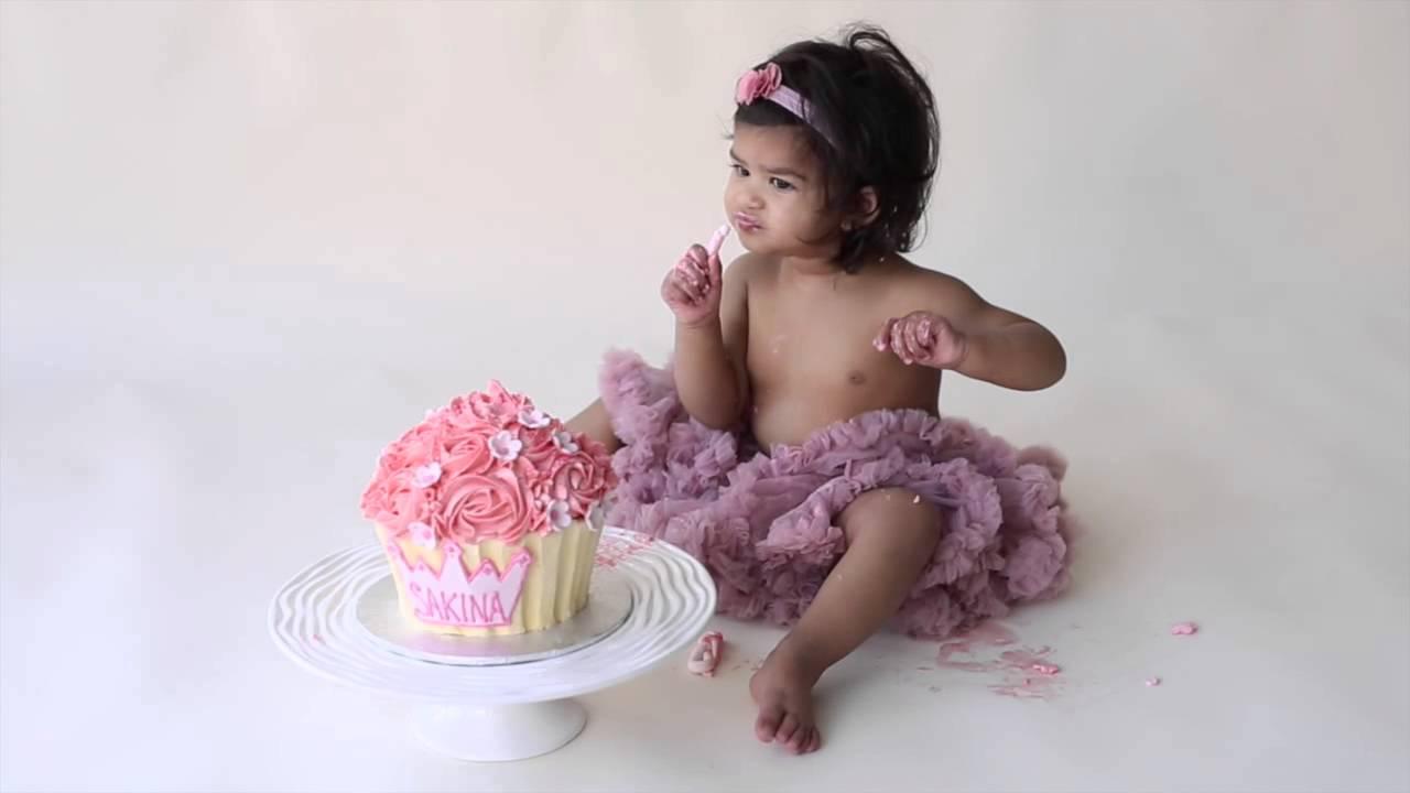 Baby Girl S 1 Year Birthday Cake Smash Youtube