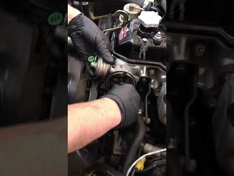 INSTALLING A DISTRIBUTOR ON A 22R / 22RE