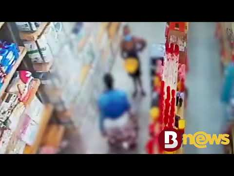 Vídeo: Mulheres furtam roupa de cama e são flagradas por câmeras