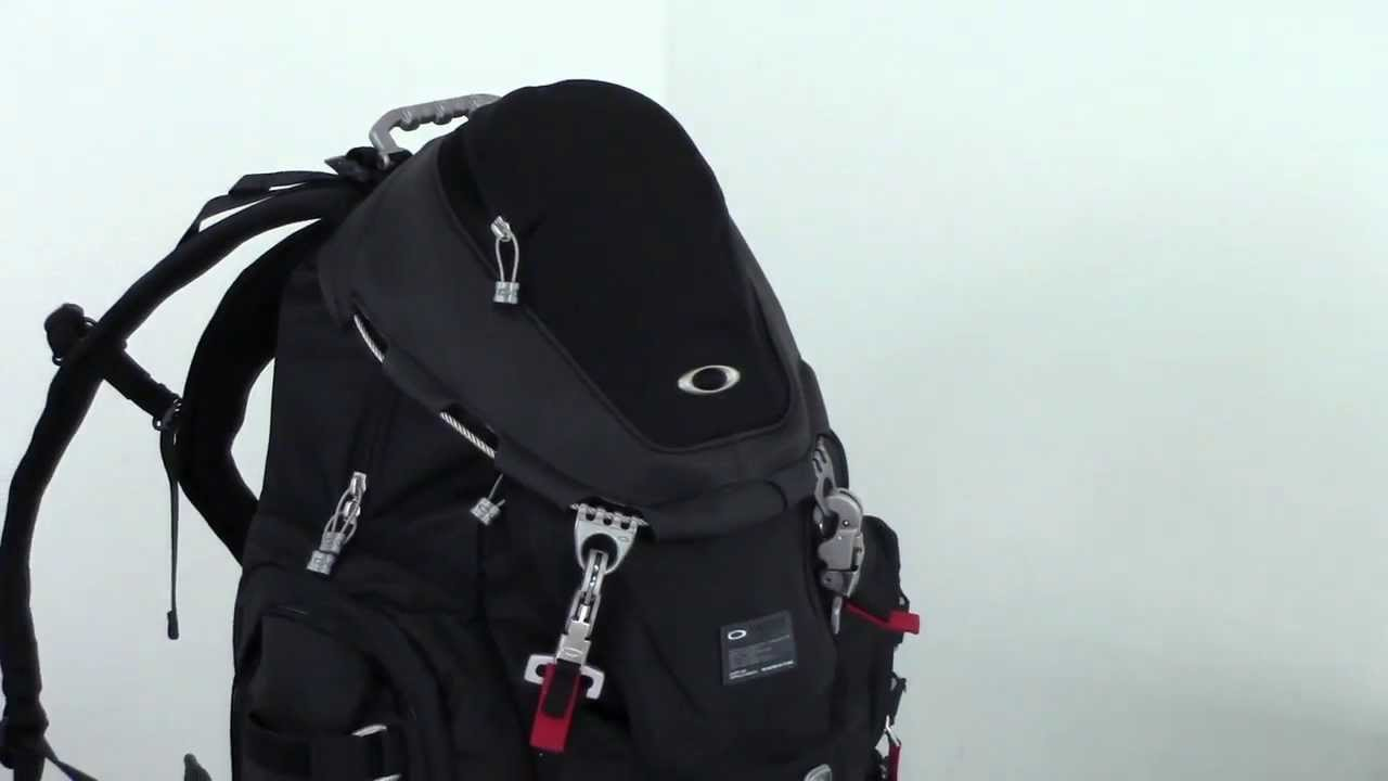 In Depth Review Of The Oakley Kitchen Sink From Luggage Base Youtube