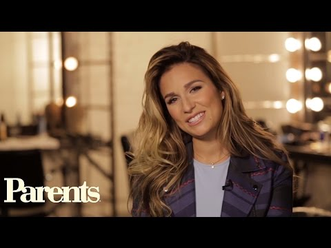 5 Questions with Jessie James Decker |...