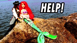 ariel-the-little-mermaid-kidnapped-amp-saved-by-frozen-elsa-anna-from-villain-disney-princess-parody