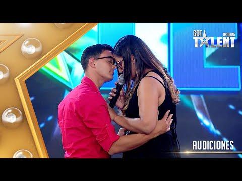 ¡A bailar! El dúo LA LLAVE llevó alegría y CUMBIA al escenario
